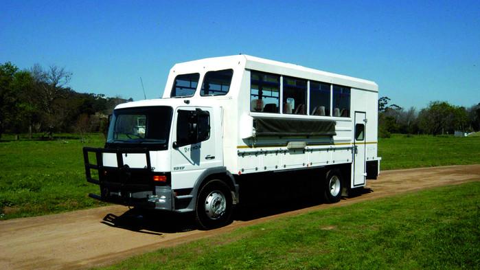 <P>I&nbsp;en safaritruck som denna går resan genom fyra länder.</P>
