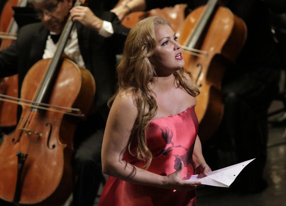 Den ryskfödda sopranen Anna Netrebko uppträder för första gången på Arena di Verona.