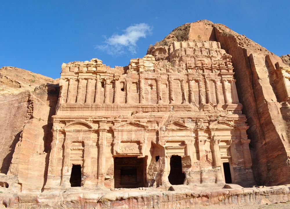 Petras monument