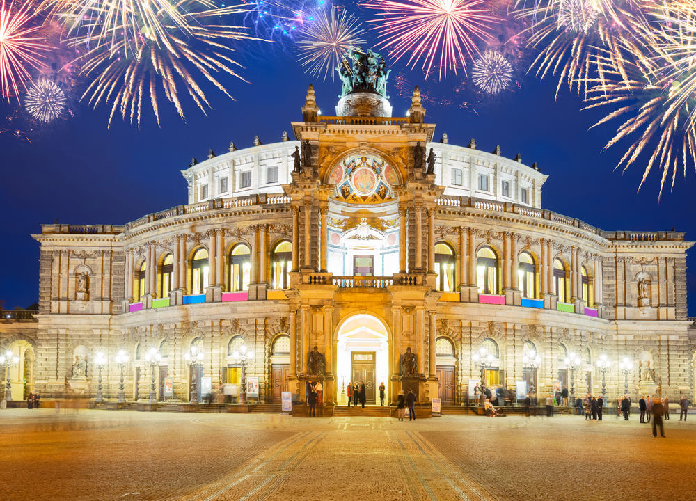 På Dresdens operahus Semperoper ser vi Läderlappen av Johan Strauss d.y.