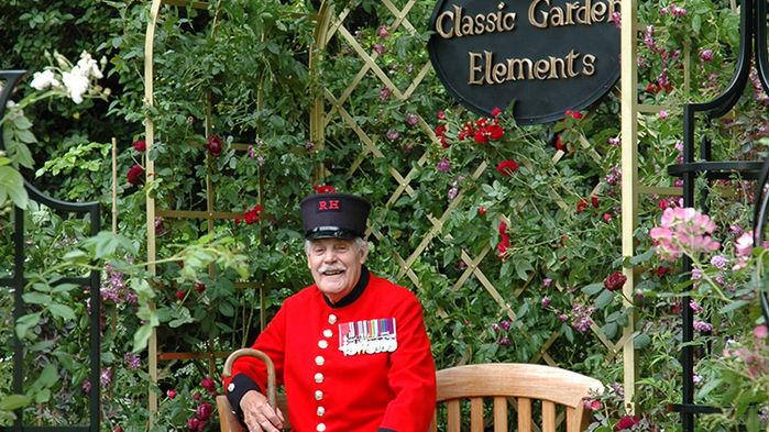 Trädgårdsmässan hålls vid Royal Hospital of Chelsea, den brittiska arméns hem för veteraner.